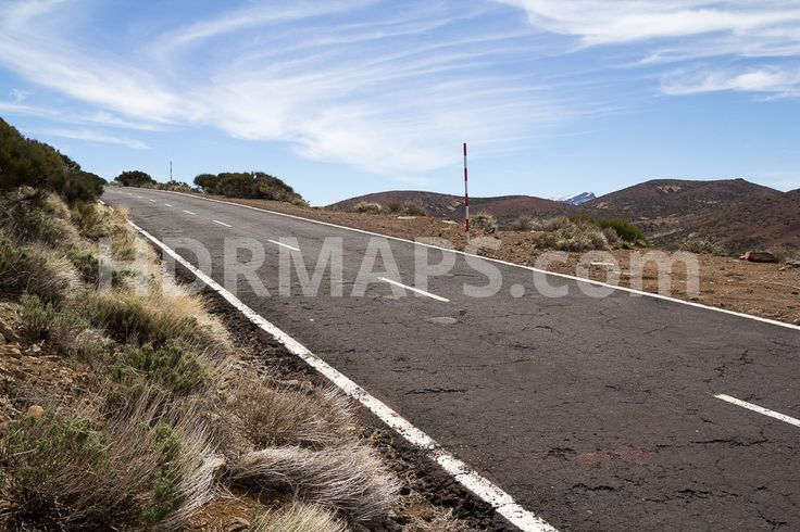Uphill road in volcanic mountains - Roads - HDRE