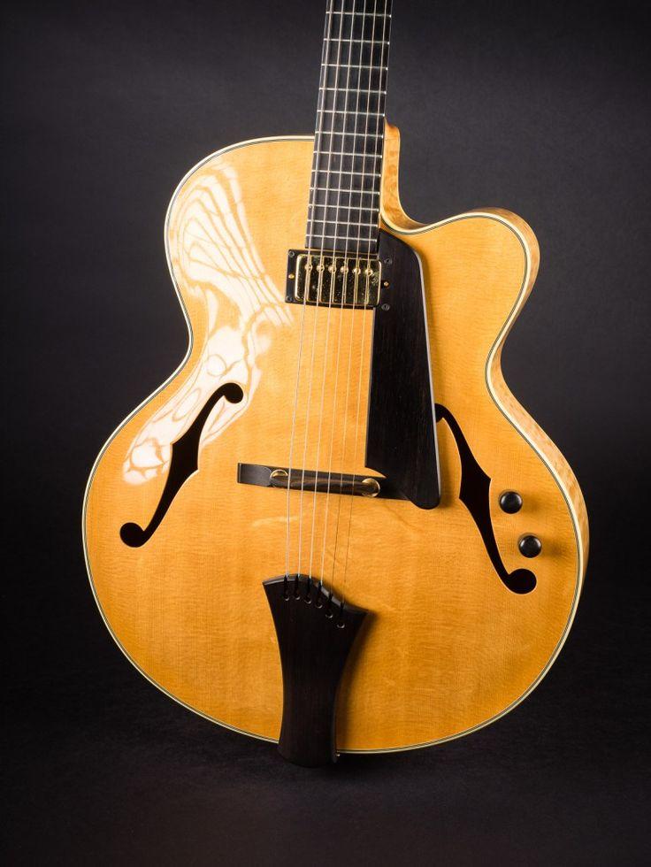 Kim Walker Classic 2005 Archtop – Walker Guitars