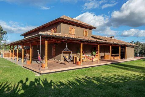 Casa de barro con terraza