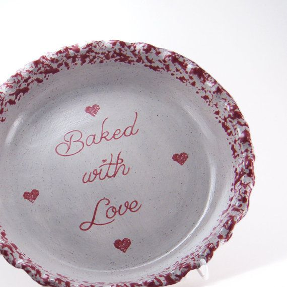 Burgundy #HeartsPieDish  #PersonalizedPiePlate  by #ThePigPen #mothersdaygift