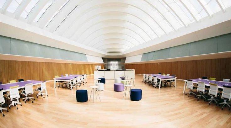 Une bibliothèque sans livres pour la nouvelle Université Polytechnique de Floride.