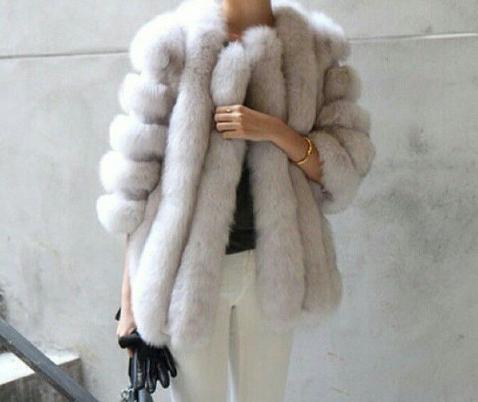 An amazing fur coat to get a warm outfit: MartaBarcelonaStyle's Blog