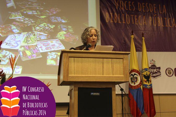 Marcy Schawrtz también hizo parte del panel de Espacios para la lectura con la presentación de varias experiencias de lectura en espacios no convencionales.