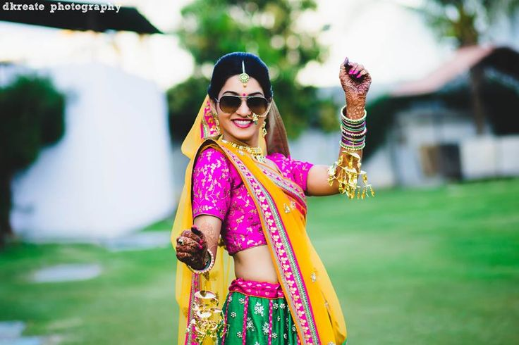 Top 10 Photos Every Indian Bride Must Have In Her Wedding Album - BollywoodShaadis.com