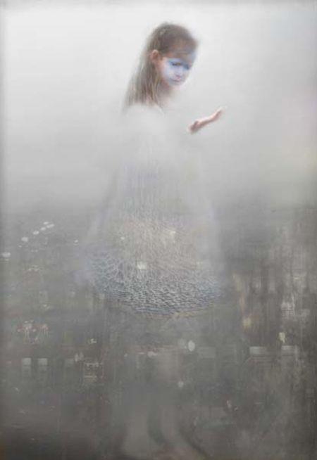 Non si scappa mai dai luoghi,nè dalle persone, nè tanto meno dalle circostanze: si scappa da se stessi. (A. Merini)