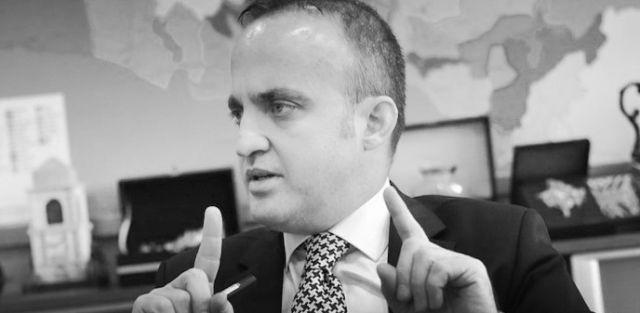 """CHP'nin, YSK'nin mühürsüz pusula kararı nedeniyle 16 Nisan referandumunu iptal başvurusu yapmasına AKP'den tepki geldi. AKP Grup Başkanvekili Bülent Turan, referandumdaki şaibe iddialarına """"kamuoyu zamanla kabul eder."""" dedi."""