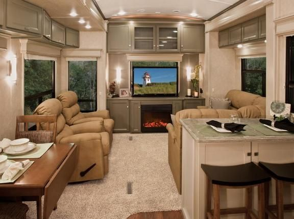 This camper has a very residential look......really like it. Would like it even more with wood floors instead of carpeting.