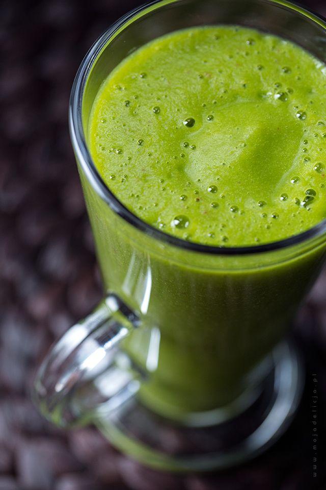 Green smoothie, czyli Zielony koktajl ze szpinakiem, jabłkiem, pomarańczą, bananem i imbirem