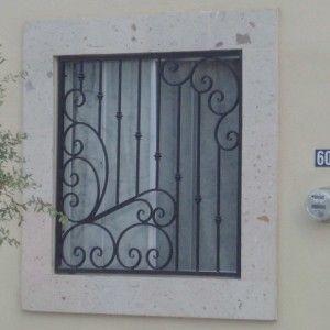 Herreria artística para ventana de casa