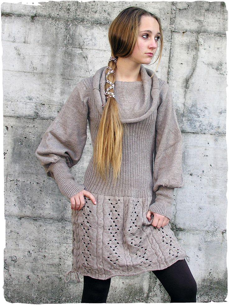 Abito Nathalie elegante #abito con manica lunga lavotato a mano in  #Peru con #lana d' #alpaca. Questo #vestito in #maglia ha un ampio collo ad anello e doppia #gonna con lavorazione #traforata www.lamamita.it/store/abbigliamento-invernale/1/abiti-in-maglia/abito-nathalie
