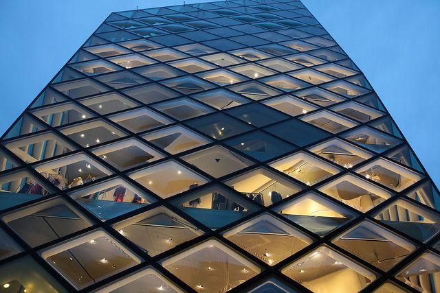 Flagship store, el concepto de tienda por el que apuestan las marcas • Blog • by estudio TRES60