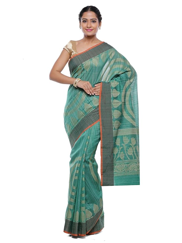 """Look Trendy by #amazing  this #Amazing #Beautiful Saree From House of """"#BanarsiSilkWorks"""". It comes with a unstitched blouse Piece. #Designed using the #best quality fabric, along with best #combination of #colours, ensures that it should #never fail to be the #perfect #eye #magnet.  BuyNow@ http://amzn.to/2z5jo8M"""