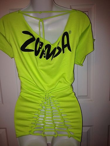 17 best images about zumba on pinterest halter tops love t shirt and cargo pants. Black Bedroom Furniture Sets. Home Design Ideas