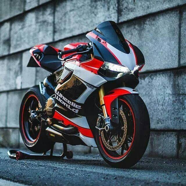 Wheelie World Ducati 1199 (ducati cafe)
