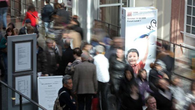 Naar aanleiding van een van de grootste boekenbeurzen ter wereld in Frankfurt, zijn er enorm veel vertalingen vanuit het Nederlands verschenen.