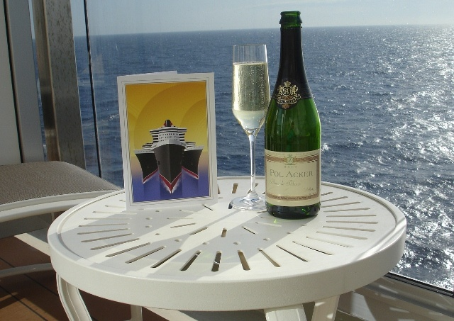 Champagne on balcony of @cunardline 'Queen Elizabeth cruise ship
