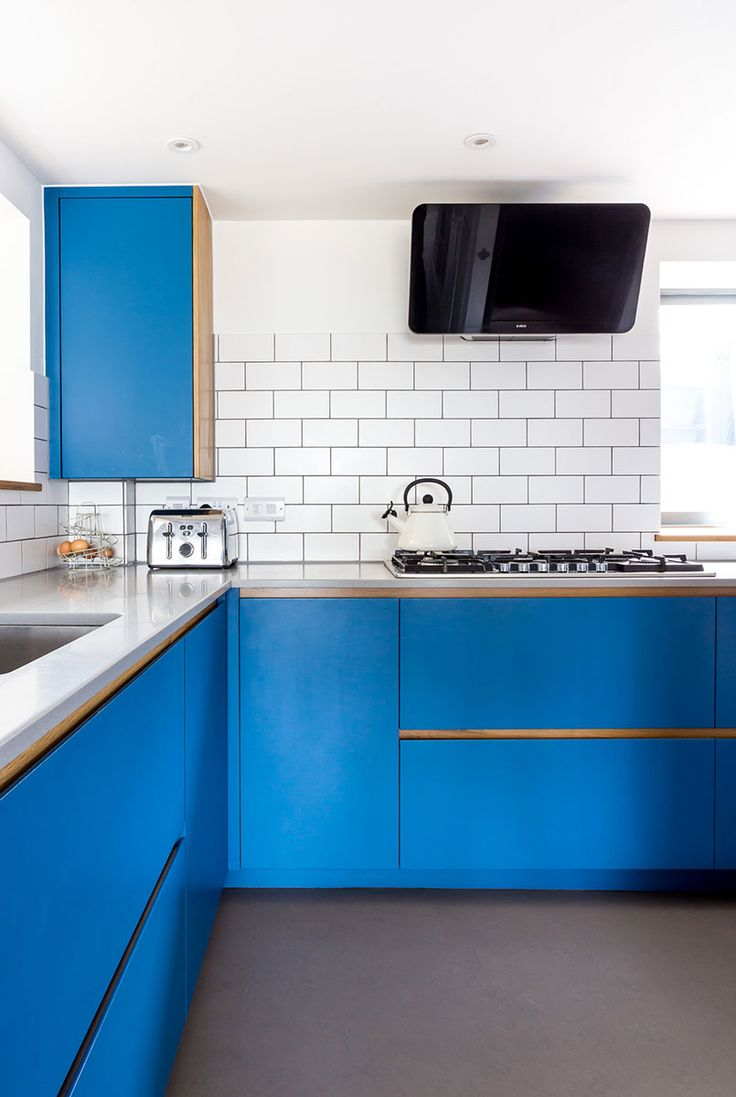 Bath Bespoke Create Kitchens In A Contemporary Style Discover This Electric Blue Kitchen We Crafted For Family Bradford On Avon