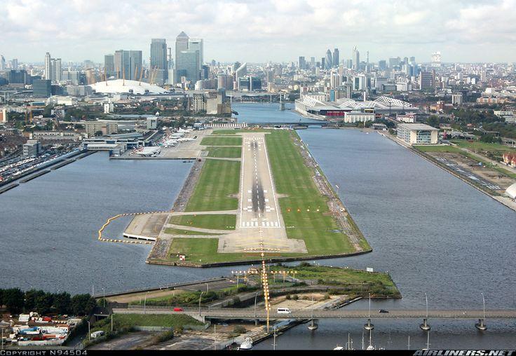 London - City (LCY / EGLC) Long final for runway 27