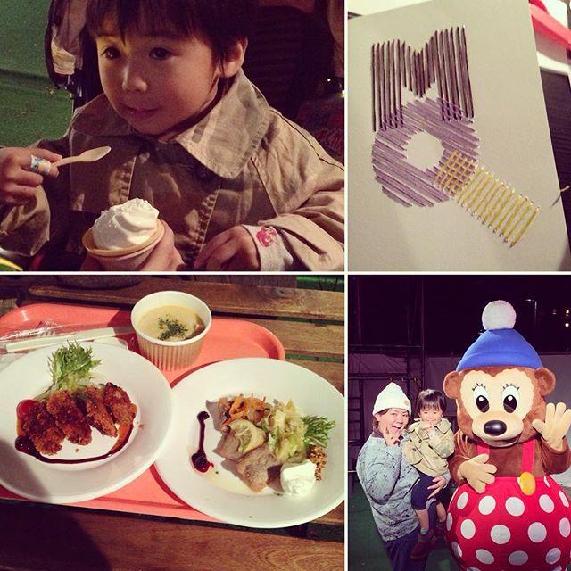 Instagram media riyoyo1206 - 3回目、最後の北欧オータムストリート☆ 夕方から夜にかけて(*^_^*) 私はカードに刺繍をするワークショップ。 紙刺繍ずっとやりたかったから、フィンランドの方に教えていただきながら出来て嬉しかった♪( ´▽`) フィンランドに送り、春頃にフィンランドからお返事の刺繍カードが送られてくるみたいなので楽しみ〜〜♪ 牡蠣のフライとサーモンクリームスープのセットを勧められ それと、ニシンのエスカベッシュ*\(^o^)/* やっぱりエスカベッシュ好きだけど、足りなーい(笑)  ラスムスには、息子も私もラスムスの服だよーって伝えました( ^ω^ )  #北欧オータムストリート #北欧 #名古屋 #矢場公園 #刺繍 #紙刺繍 #MOIKO #ワークショップ #ラスムスクルンプ #ネネット #nenet #デンマーク #フィンランド #親子 #3歳