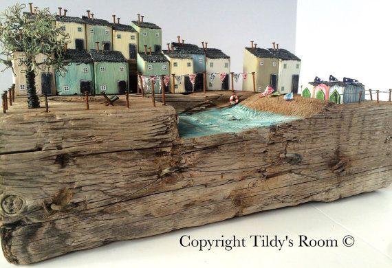 Large driftwood art sculpture: Driftwood houses by TildysRoom