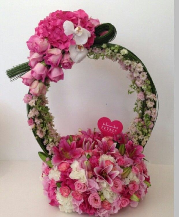 Petals Flowers & Events #proposal #engagement #arab #gulf #unitedarabemirates #uae #dubai #abudhabi #q8 #qatar #oman #kuwait #saudi #saudiarabia #ksa #afrah #zaffah #dazzah #daza #wedding #luxuryflowers #floralarrangements #bride #bridal #gifts