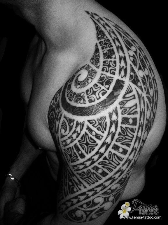 1000 ideas about tatouage maori bras on pinterest sleeve tattoos tattoo maori and tribal tattoos - Tatouage polynesien epaule ...