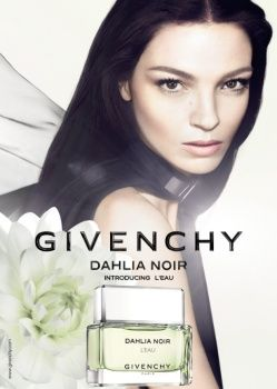 Dahlia Noir L'Eau by Givenchy with Maria Carla Boscono.