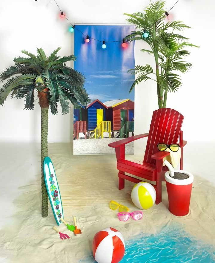 ...con le pinne fucile ed occhiali: in spiaggia con palloni colorati, secchielli, palette, surf e barchette origami in carta (Fun on the beach)