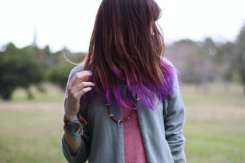 {LOVE purple tips for a brunette & pink for blondes}