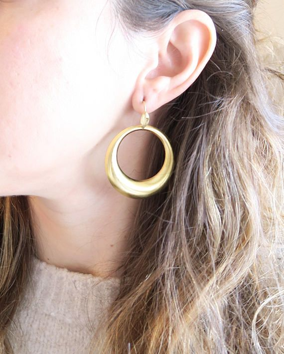 Brass hoops in two sizes with hollow back :::EARRING DETAILS::: Perfect for a boho chic look ! * Two sizes. Small is 1.25 inches (3.2cm) and the large has a diameter of around 1.7 inches (4.3cm). * Hollow back * Little leaf 🍃 on the hook *French hook *Made with brass, hooks too, so