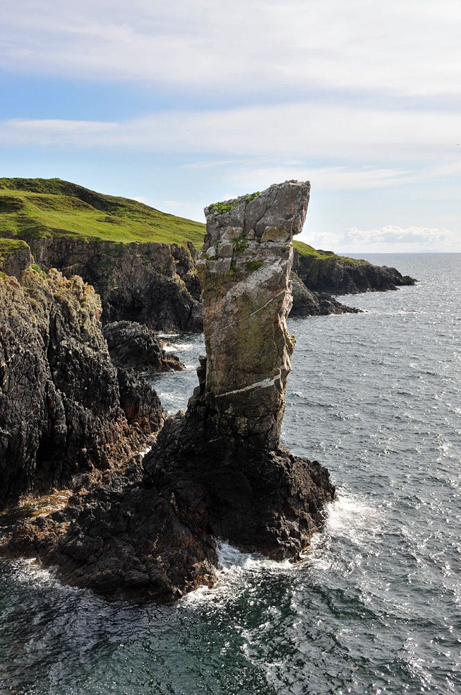 Full view of Soldier's Rock, Isle of Islay