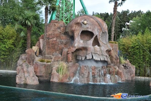19/26 | Photo de l'attraction Pirates Attack située à Fraispertuis-City (France). Plus d'information sur notre site http://www.e-coasters.com !! Tous les meilleurs Parcs d'Attractions sur un seul site web !!