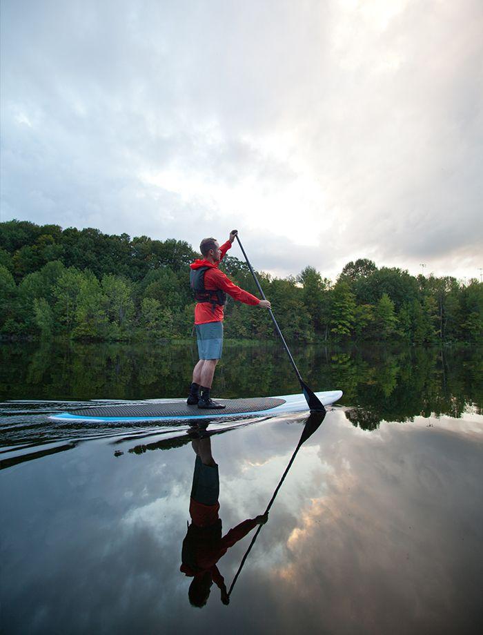 Parc Lucien-Blanchard : un incontournable. En kayak, en surf à pagaie ou en pédalo, profitez-en pour explorer Sherbrooke d'un tout autre point de vue.