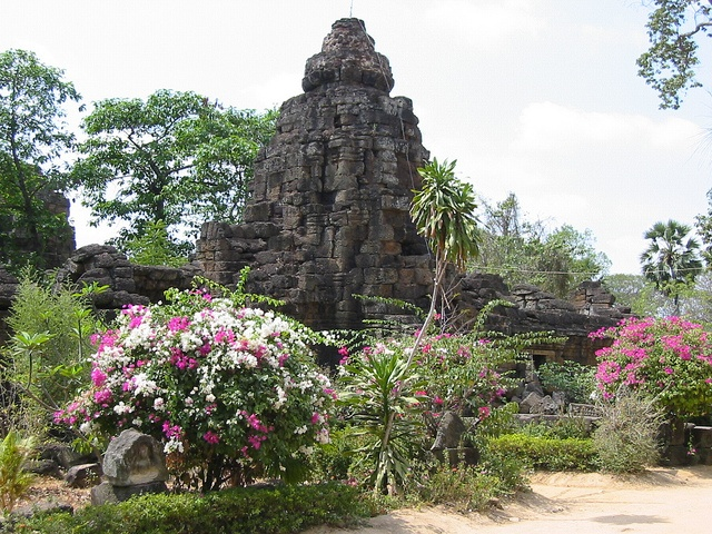 Visit Tonle Bati (Ta Prohm & Yeay Peau), Takeo region outside of Phnom Penh