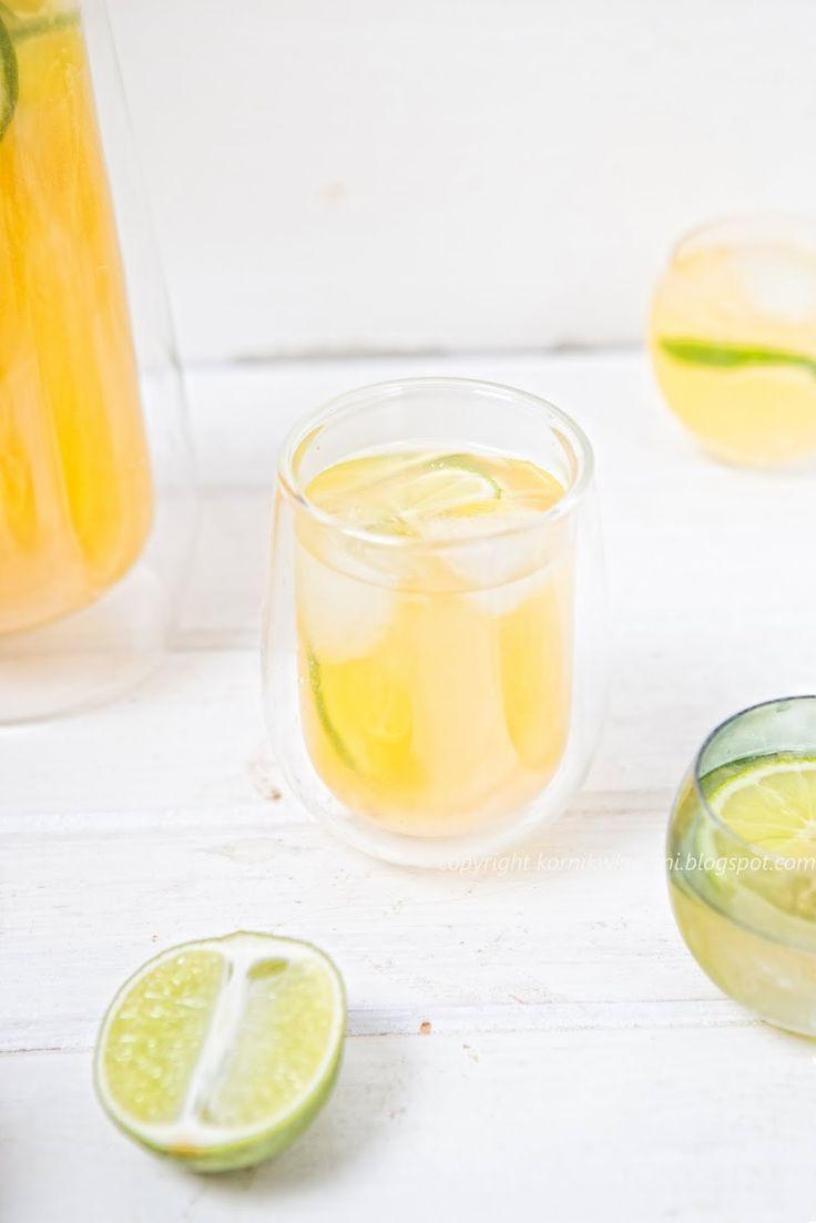 Biała sangria z ananasem i limonką