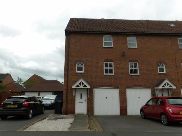 3 bedroom town house for sale - Staples Drive, Coalville   #coalville #property https://coalvilleproperties.com/property/3-bedroom-town-house-for-sale-staples-drive-coalville/