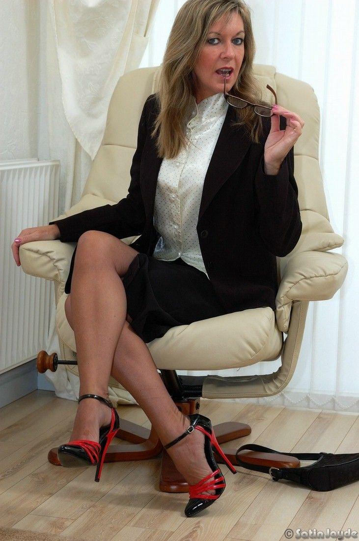 Ala nylons l mistress in black boots lsuper xxx 3