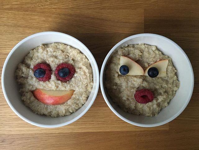 Kissing on the first date 😘  #loveatfirstsight #goodmorning #smile #behappy #enjoythemoment #act #nowisallwehave #lifeisfullofsurprises #porridgesmileys #everydayisanewopportunity #breakfast #healthyfood #healthybody #healthytreats #healthylife #healthymind #oatmeal #kaurapuuro #porridgepassion #porridgestagram #porridgeface #porridgesmileys #puuronaama #sinä #olet #jokaisen #aamun #ilo #ja #onni 🙏🏻