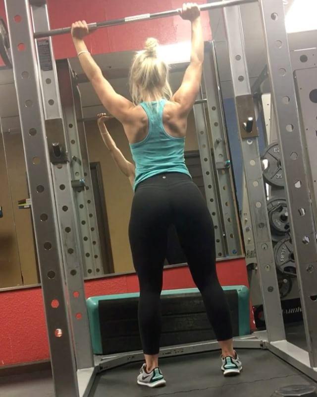 More shoulders from Friday @warriorfuel_supps #fit #fitness #fitfam #fitspo #abs #goals #gains #progress #bodybuilding #bodybuilder #prep #athlete #instagram #igfit #train #lift #npc #flex #gym #nofilter #workout #muscle #work #physique #aesthetics #fitnessmotivation #bikinicompetitor #gymlife #fitnessjourney #video