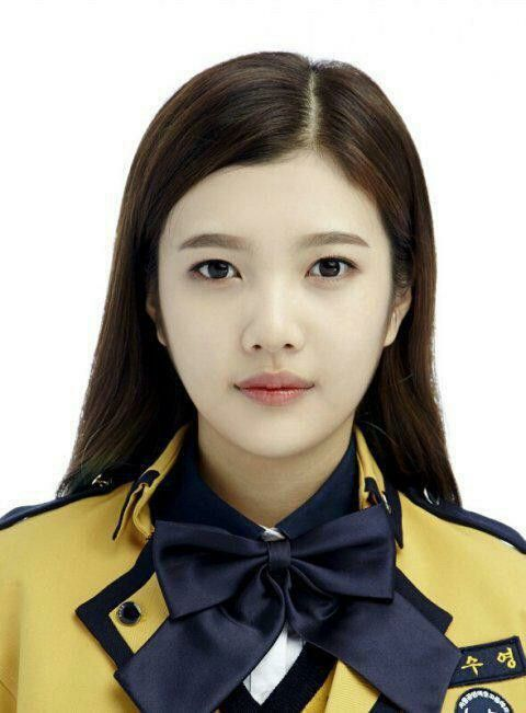 레드벨벳 Red Velvet 조이 JOY's 서울공연예술고등학교 School of Performing Arts Seoul Graduation Photo