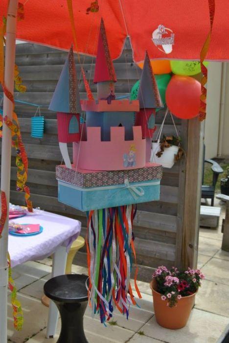 JEUX CONCOURS PHOTOS. Une piñata sur mesure Cendrillon !