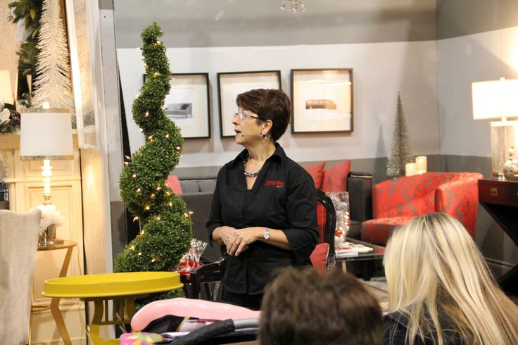 Donna Robertson, Decorating by Design Stage. Friday Nov. 8 at 12:00pm International Centre, 6900 Airport Rd. Mississagua.   The Top 10 Ways to Pick the Right Colour the First Time.  www.internationalhomeshow.ca