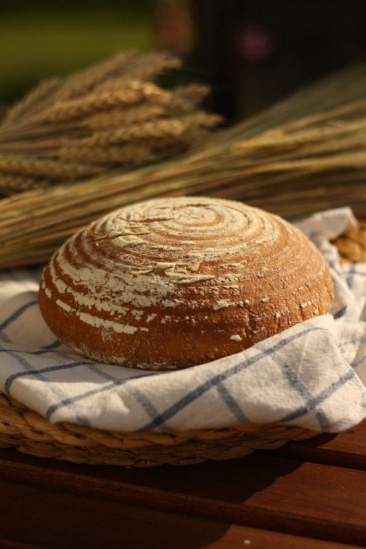 Krásný den, dnes vkládám už tři roky starý příspěvek, ale neustále mi chodí mnoho dotazů kolem pečení kváskového chleba, že jsem se...