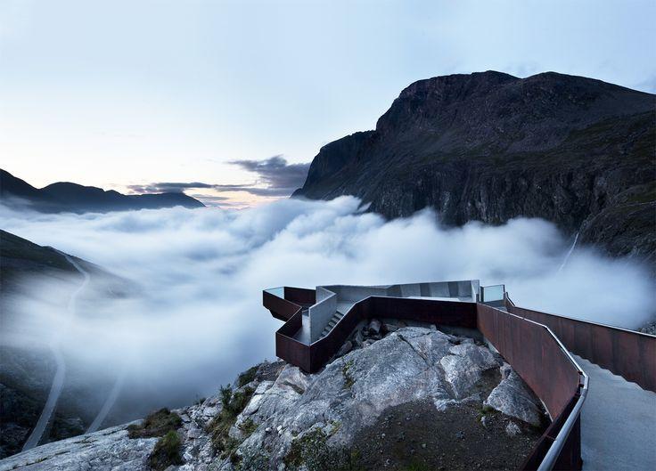 Bons baisers de Norvège… où AD vous fait découvrir  un site spectaculaire, à contempler depuis un point d'observation architecturalement exceptionnel. © Diephotodesigner