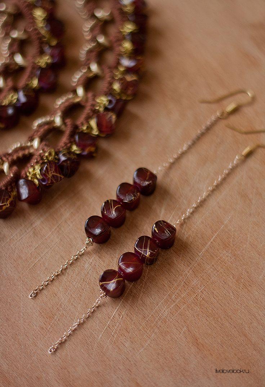 Ожерелье и серьги ручной работы