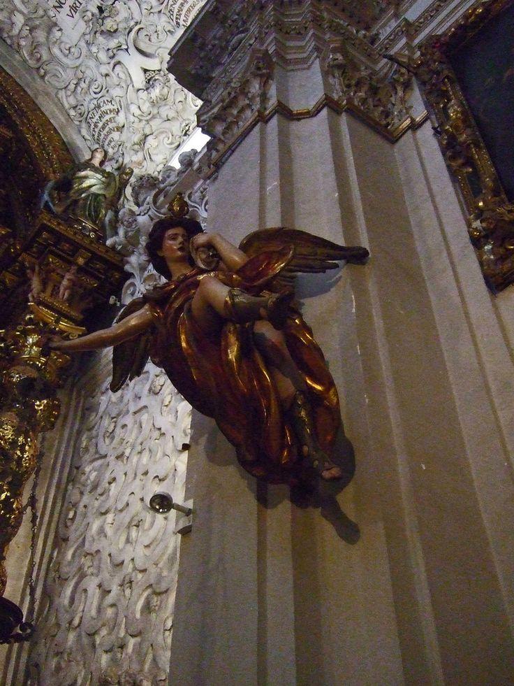 Seville: Hospital de la Caridad, Angel lampidario | da jrclarke