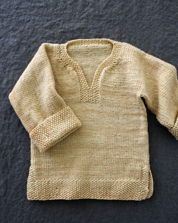 Jersey realizado en una sola pieza ... 12 meses a talla 12 años .... en el blog encontrarás las explicaciones . Easy Pullover for Babies, Toddlers + Kids. Now in Three New Sizes! - The Purl Bee - Knitting Crochet Sewing Embroidery Crafts Patterns and I...