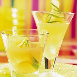 Recept - Frisse fruitdrank: limoen-ananasdrank - Allerhande