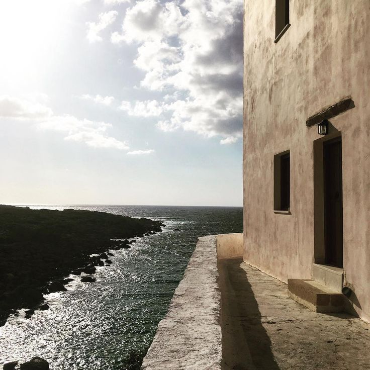 A Greek monastery in #creta has the best view at the Libyan sea.. ✨#xrysoskalitissa ✨""