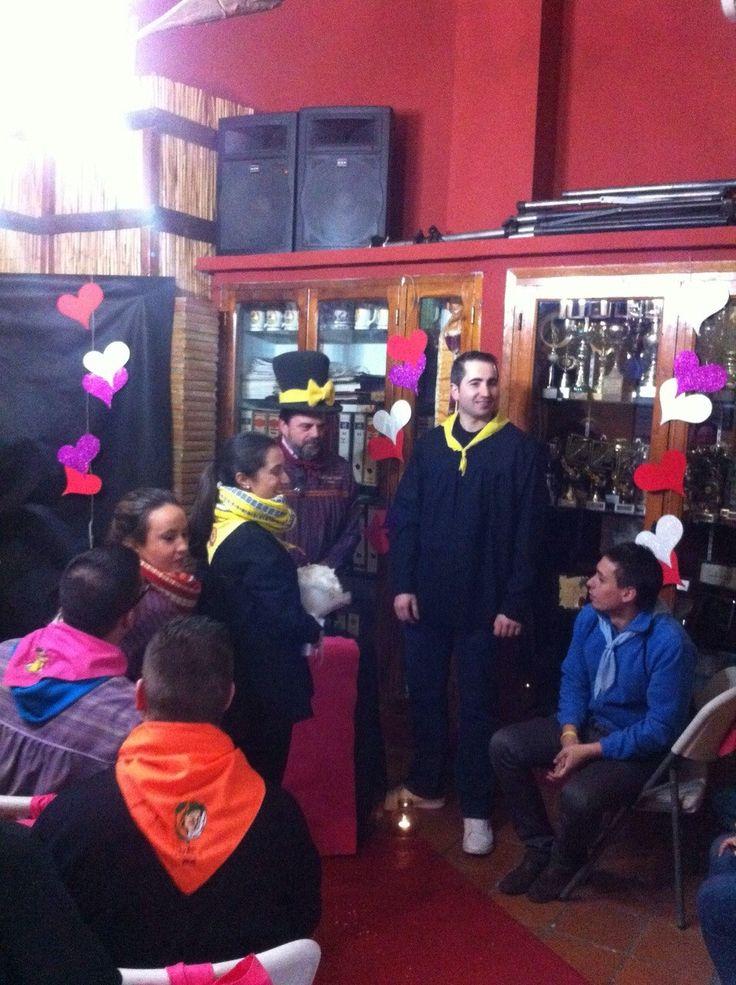 Ahir vam viure la visita de la resta de comissions al Casal Pascual García! El nostre casal engalanat amb les #NocesdOr va rebre a tota la Dénia Fallera. #FallesDénia2015 #FallaOeste #Dénia www.fallaoeste.com